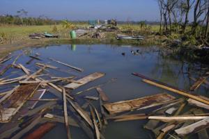 03_spirit of survivors_cyclone SIDR_photo documentary_Noor Alam_khulna shoronkhola_Bangladesh