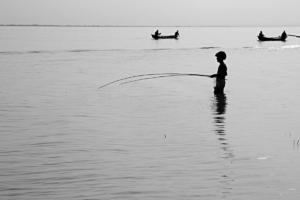05_fishemen of Padma River_Black n White_Photo_Landscape_Portrait_Noor Alam_Dhaka_Bangladesh