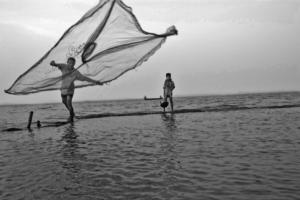 06_fishemen of Padma River_Black n White_Photo_Landscape_Portrait_Noor Alam_Dhaka_Bangladesh